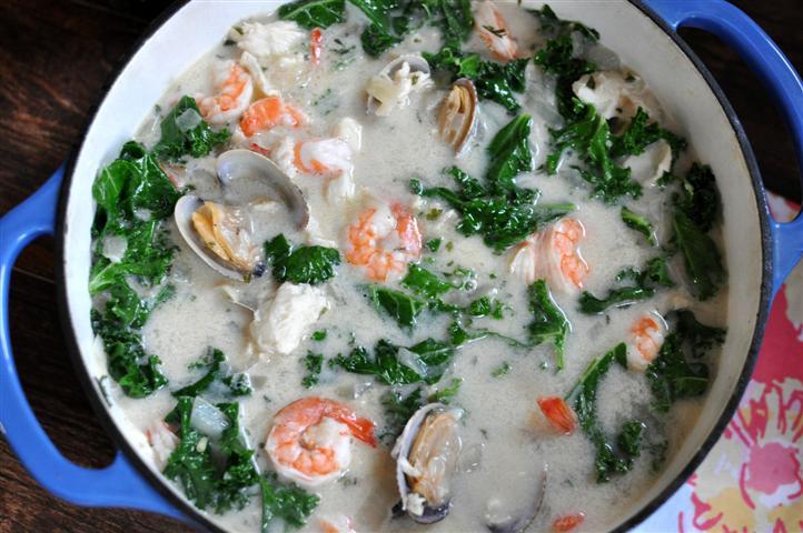 White Seafood Cioppino