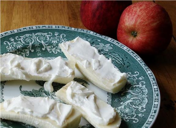 Yogurt Cheese and apple (Small)