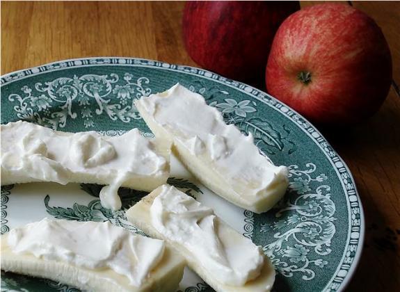 Yogurt Cheese and apple (Small)