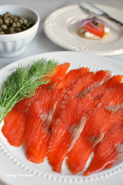 How To Make Refined Sugar Free Gravlax (Salt-Cured Salmon)