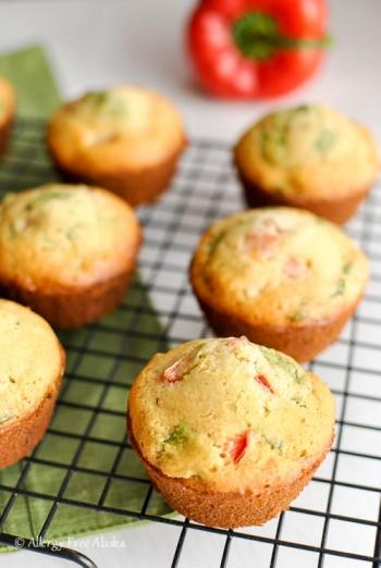 Gluten-Free Breakfast Muffins with Ham & Veggies