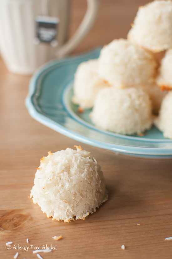 Sugar Free Vanilla Macroons Recipe from Allergy Free Alaska Bloge