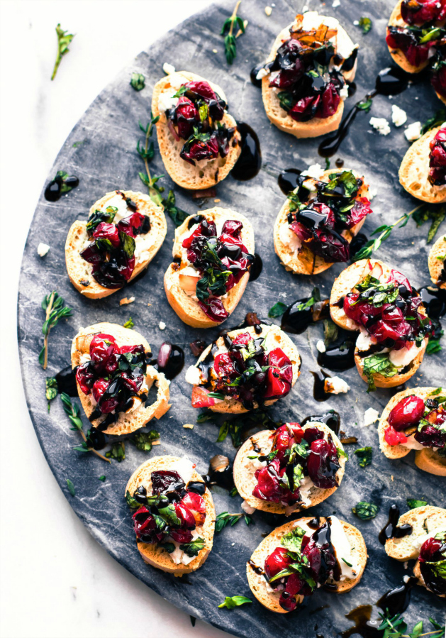 cranberry-goat-cheese-gluten-free-crostini-1